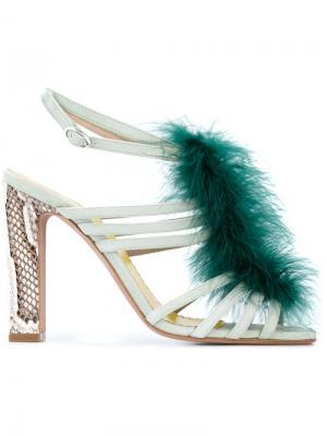 Босоножки с перьями и выделкой под змеиную кожу Francesca Mambrini. Цвет: синий