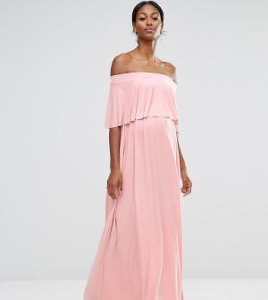 ASOS Maternity Платье макси для беременных с открытыми плечами и рюшами Maternit. Цвет: розовый