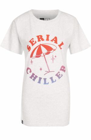 Удлиненная хлопковая футболка с принтом Dedicated. Цвет: белый