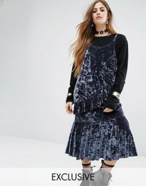 Rokoko Бархатное платье-комбинация миди с оборками. Цвет: синий