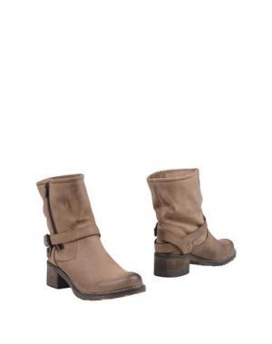 Полусапоги и высокие ботинки ALBERTO MORETTI. Цвет: хаки