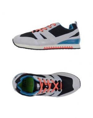 Низкие кеды и кроссовки STRD BY VOLTA FOOTWEAR. Цвет: черный
