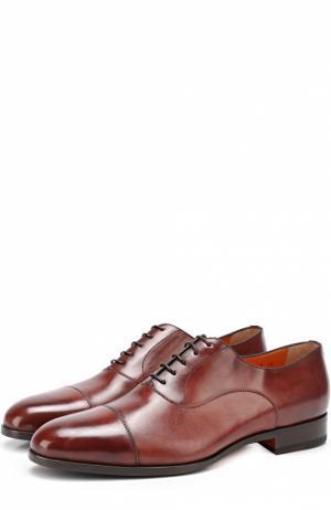 Классические кожаные оксфорды с патинированием Santoni. Цвет: коричневый