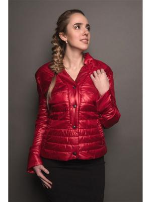 Куртка Доминика Versia. Цвет: красный