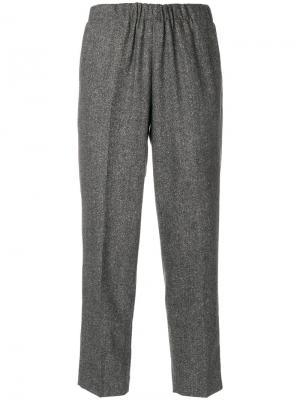 Эластичные укороченные брюки Kiltie. Цвет: чёрный