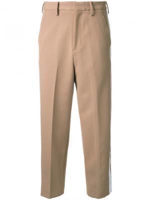 Укороченные брюки с полосками сбоку Cityshop. Цвет: коричневый