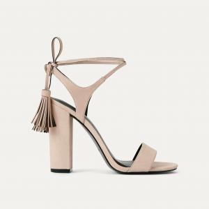 Босоножки на каблуке KKELLERY KENDALL + KYLIE. Цвет: телесный