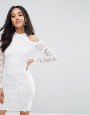 AX Paris Кремовое платье с длинными рукавами и вырезами. Цвет: кремовый