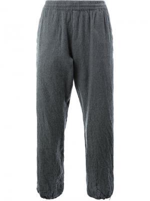 Спортивные брюки с эффектом помятости 08Sircus. Цвет: серый