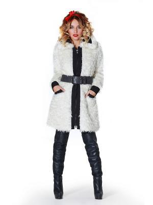 Меховое пальто Artwizard. Цвет: белый