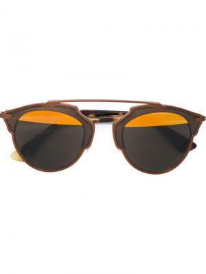 Солнцезащитные очки в круглой оправе Dior Eyewear. Цвет: коричневый
