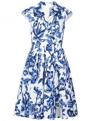Расклешенное платье с цветочным принтом Lela Rose. Цвет: синий