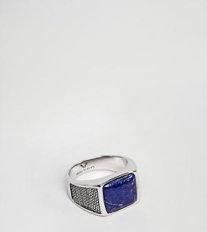 Seven London Серебряное кольцо-печатка с синим камнем. Цвет: серебряный