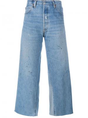Укороченные расклешенные джинсы Re/Done. Цвет: синий