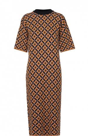 Платье-миди прямого кроя с контрастным принтом Marni. Цвет: коричневый