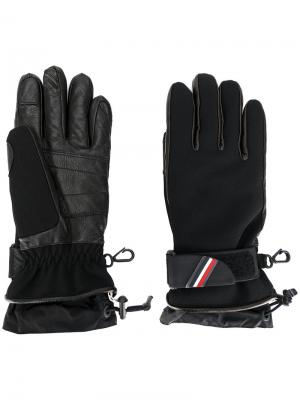 Перчатки с логотипом Moncler Grenoble. Цвет: чёрный