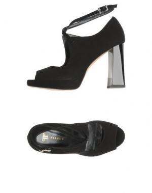 Туфли FARRUTX. Цвет: черный