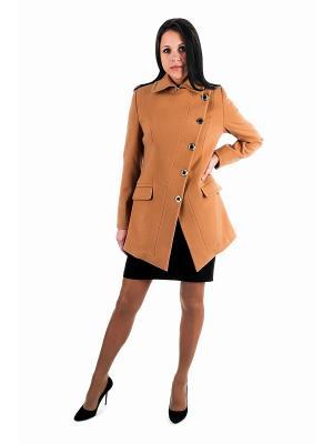 Пальто Garderob. Цвет: бежевый