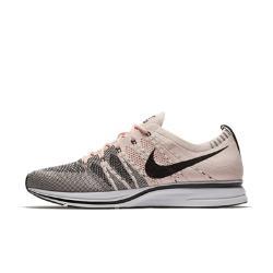 Кроссовки унисекс  Flyknit Trainer Nike. Цвет: розовый