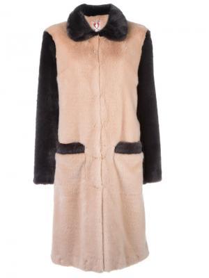 Пальто с меховым эффектом Shrimps. Цвет: розовый и фиолетовый