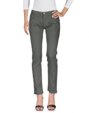 Джинсовые брюки OFFICINA 36. Цвет: зеленый-милитари