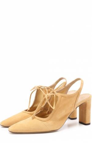 Замшевые туфли на устойчивом каблуке The Row. Цвет: бежевый