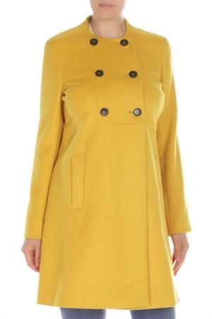 Пальто Marella. Цвет: желтый