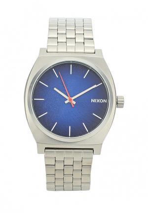 Часы Nixon. Цвет: серебряный