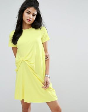 ASOS Платье-футболка со сборками спереди. Цвет: желтый