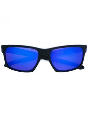 Солнцезащитные очки прямоугольной формы Oakley. Цвет: чёрный