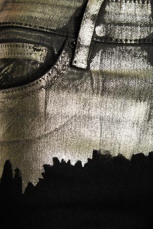Джинсы-скинни с ламинированной отделкой Vivienne Westwood Anglomania. Цвет: черный/золотистый