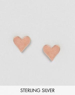 Dogeared Позолоченные серьги-гвоздики в форме сердца. Цвет: золотой