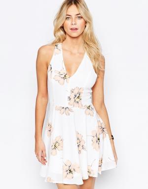 Parisian Короткое приталенное платье с большими цветами. Цвет: мульти