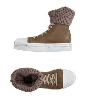 Высокие кеды и кроссовки OM. Цвет: хаки