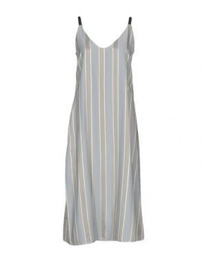 Платье длиной 3/4 SOUVENIR. Цвет: серый