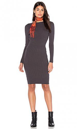 Вязаное темно-серое платье Bishop + Young. Цвет: серый