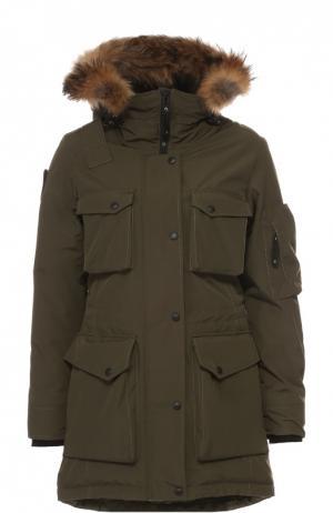 Пуховик с накладными карманами и меховой отделкой Arctic Explorer. Цвет: хаки