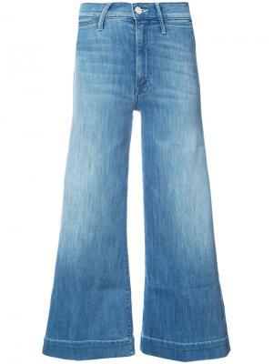 Укороченные широкие джинсы Mother. Цвет: синий
