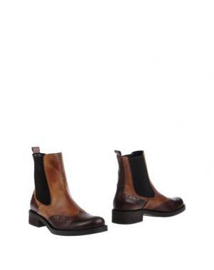 Полусапоги и высокие ботинки ANGELA GEORGE. Цвет: коричневый