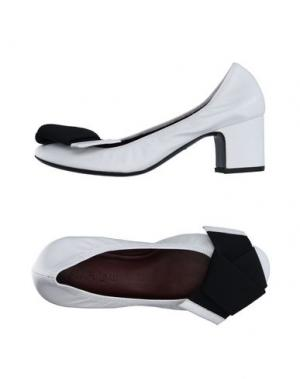 Туфли AVRIL GAU. Цвет: белый
