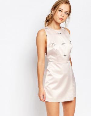 Keepsake Цельнокройное платье с декоративной отделкой. Цвет: розовый