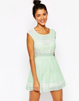 Lovestruck Платье с отделкой маргаритки Connie. Цвет: шалфей