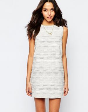 Sessun Цельнокройное платье без рукавов с открытой спиной. Цвет: кремовый