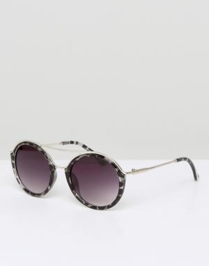 7X Круглые солнцезащитные очки. Цвет: коричневый
