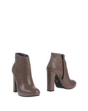 Полусапоги и высокие ботинки CHIARINI BOLOGNA. Цвет: светло-коричневый
