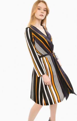 Платье в полоску с поясом Cinque. Цвет: полоска