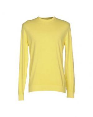 Свитер WOOL & CO. Цвет: желтый