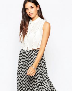 Goldie Укороченная блузка с необработанными краями. Цвет: кремовый