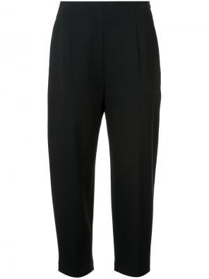 Укороченные брюки строгого кроя Kuho. Цвет: чёрный