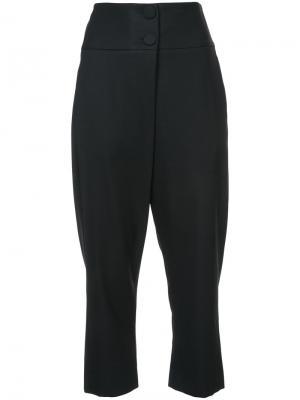 Укороченные классические брюки Monse. Цвет: чёрный